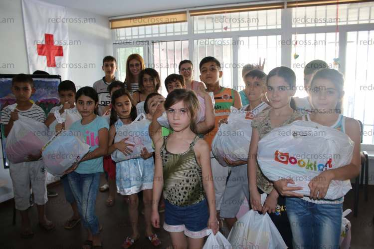 New stationary for the children from Abovyan city dormitory