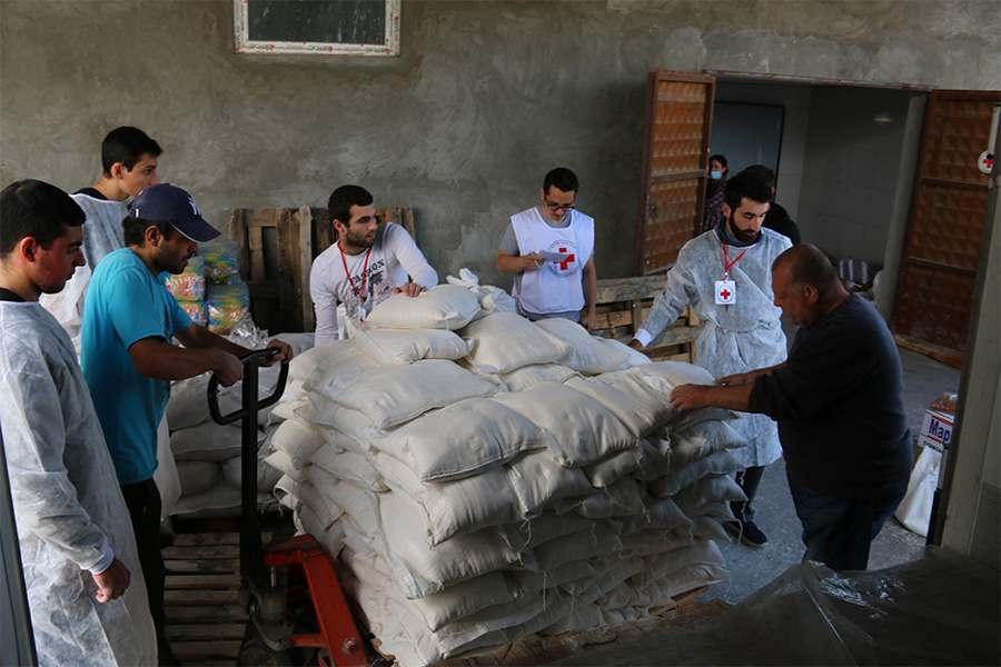 Հայկական Կարմիր խաչի ընկերությունն օգնում է Ղարաբաղյան հակամարտությունից տուժած անձանց