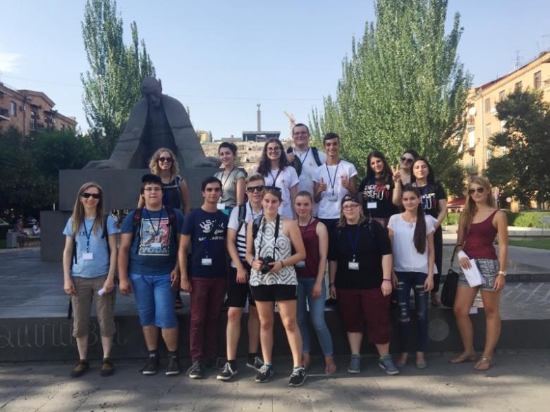 Գերմանացի կամավորները Հայկական Կարմիր խաչում