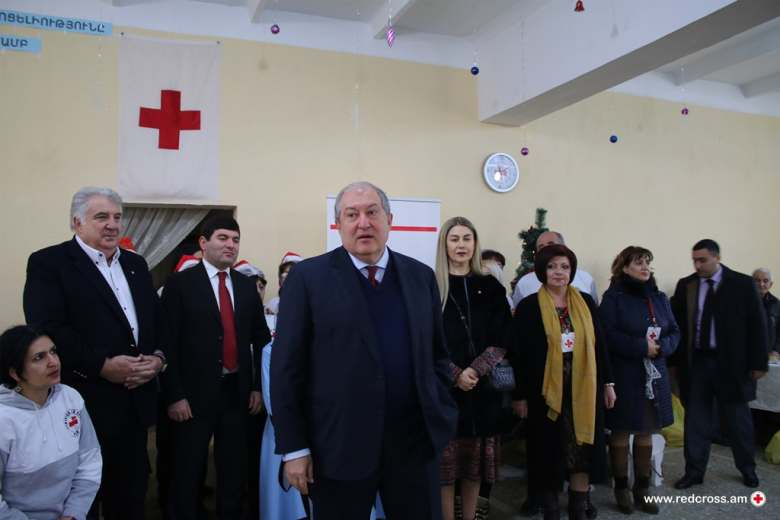 Armen Sarkissian, the President of the Republic of Armenia visits the Armenian Red Cross    Soup Kitchen in Masis, Ararat