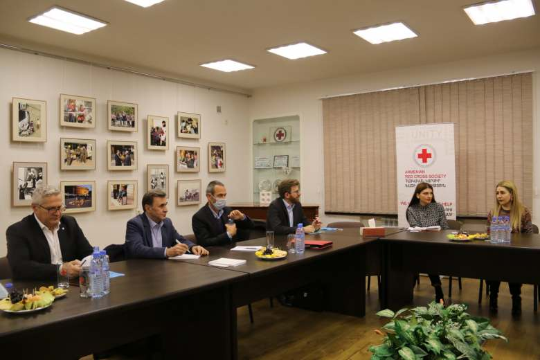 The ICRC and IFRC regional directors visited Yerevan