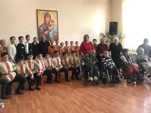 Մարտի 8-ին նվիրված միջոցառում ՀԿԽԸ Գյումրու շուրջօրյա խնամքի կենտրոնում